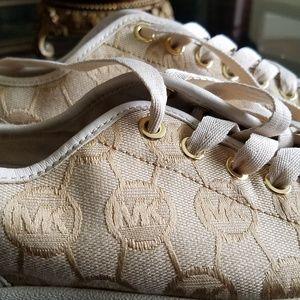 Michael kors sneakers shoes 9